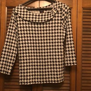 Houndstooth top size M